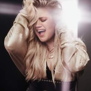 Kelly Clarkson tour tickets