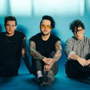 Lovelytheband tour tickets