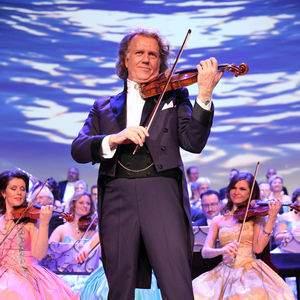 Strauss tour tickets